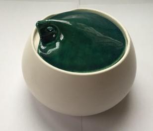 green leaf lid jar